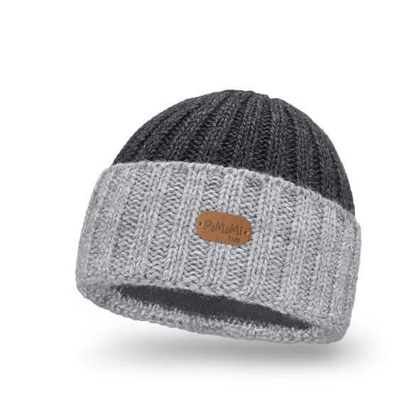 Kid's winter hat in light grey