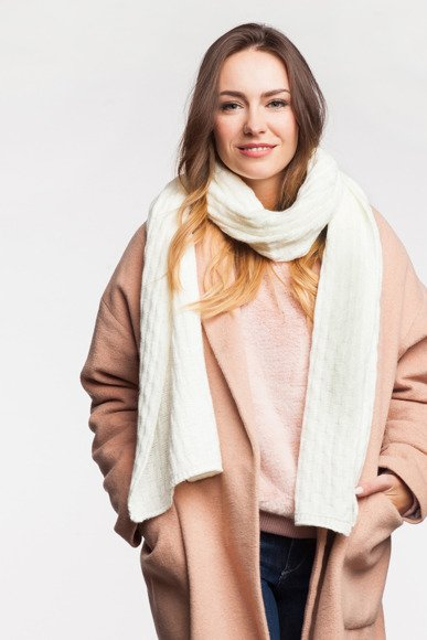 Trendy women's scarf